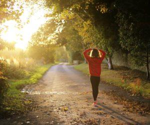 Chůze zpomaluje duševní úpadek a nejen to